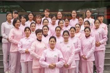 儿科护士团队